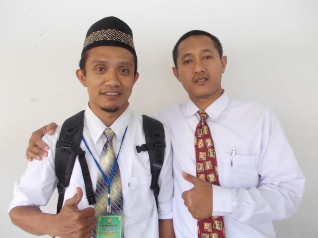 teman duduk selama beberapa hari Bpk Syaiful dari SMP al hikmah karang mojo gunung kidul